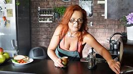 Simona Stašová ve filmu Sebemilenec