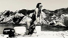 Eva Herzigová se pochlubila perfektní figurou v plavkách.