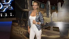 Bára Mottlová na premiéře snímku Labyrint: Zkoušky ohněm.