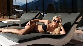 Morávková v rakouských Alpách ukázala prsa i tělíčko snů. Více v galerii!