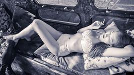 Krásná česká modelka pracuje pár měsíců v Miami.