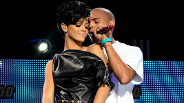 Chris Brown měl s Rihannou velmi bouřlivý vztah.