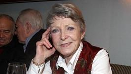 Jana Štěpánková popíjela na křtu klipu Dagmar Zázvůrkové červené víno.
