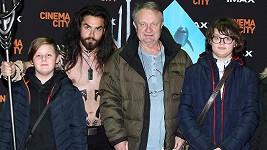 Nový superhrdina Aquaman přilákal do kina i režiséra Jiřího Adamce se synem a kamarády.