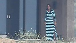 Bruce Jenner se poprvé odhodlal opustit zdi svého domu v šatech.
