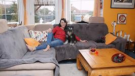 Zpěvačka žije v domě se svým pejskem Edou.