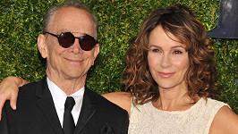 Jennifer Grey se svým oscarovým otcem Joelem Greyem na Tony Awards.