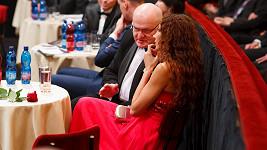 Olga Lounová v družném rozhovoru s ministrem kultury.