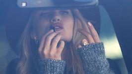Na zásnubním prstenu Rosie nosí diamant z období britského panovníka Eduarda VII.