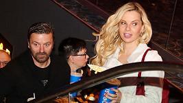 Tomáš Řepka s Kateřinou Kristelovou vyrazili do kina.