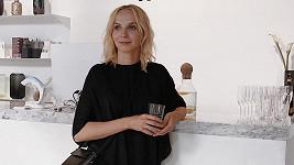 Herečka na představení novinek značky Ether návrhářky Evy Vontorové.