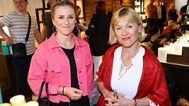 Dana Batulková ani Mariana Prachařová nevypadaly, že by je krize v rodině pálila.