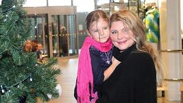 Malá Noemi s maminkou Evou Mukovou.