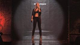 Rita Ora vystoupila v podprsence.