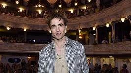 Robert Pattinson v Městském divadle v Karlových Varech