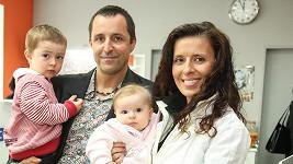 Tomáš Krejčíř s partnerkou Petrou a dětmi Samuelem a Miou