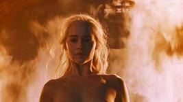 Emilia Clarke ve Hře o trůny