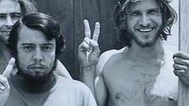 Mladý Harrison Ford (vpravo) předtím, než se stal slavným...