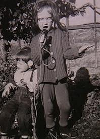 Bára Basiková chtěla být už odmala zpěvačkou.