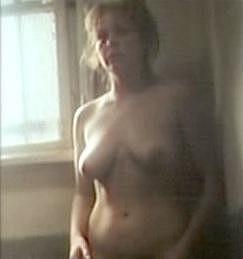 Úplně nahá se coby četařka Babinčáková objevila ve snímku Tankový prapor.