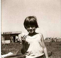 V dětství se Lucca věnovala gymnastice, tenisu a ping pongu.