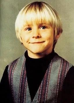 Byl to krásný blonďáček.