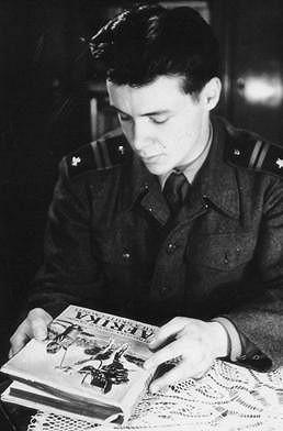 Jan Saudek coby mladý voják.