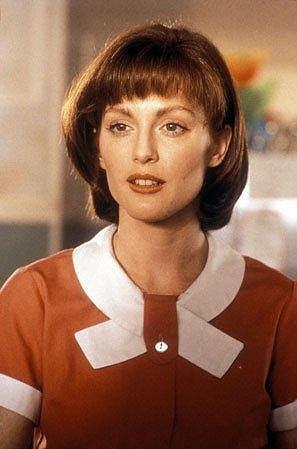 Julianne Moore na snímku z komedie Benny and Joon z roku 1993.