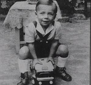 Petr Novák jako malý chlapec.