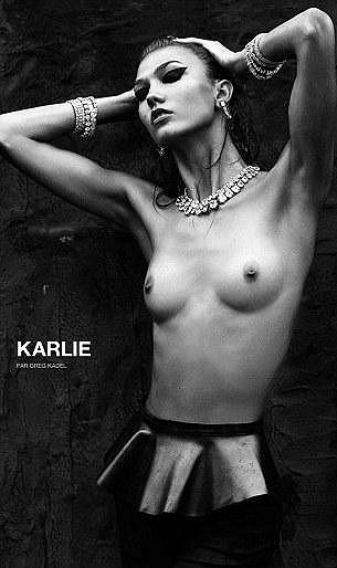 Karlie Kloss má v magazínu žebra vyretušovaná.