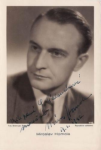 Ani herec Miroslav Homola Adině Mandlové neodolal.