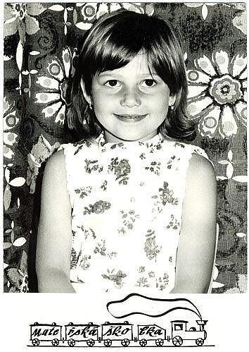 Ilona v době, kdy chodila do mateřské školky. Dominik se jí podobá.