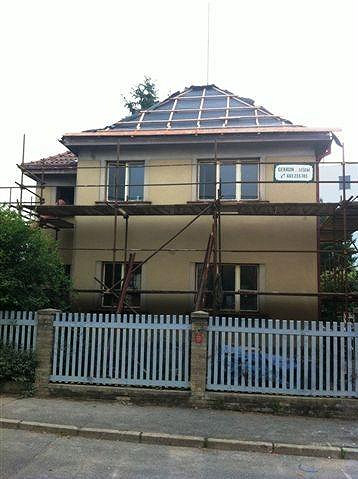 Dům musí projít rozsáhlou rekonstrukcí.