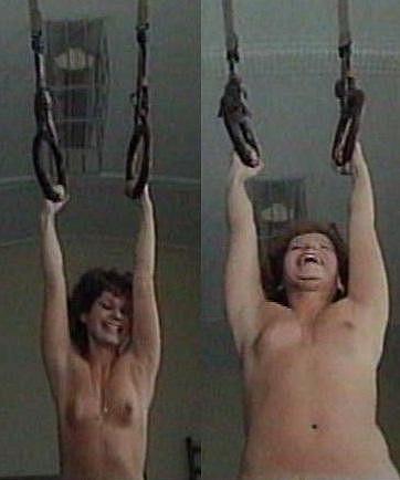 Jitka Asterová se ve filmu Cesta kolem mé hlavy ukázala úplně nahá.