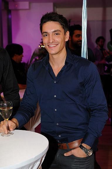 Michal Hrdlička je stejný typ jako Luciin bývalý přítel Niko Papadakis.