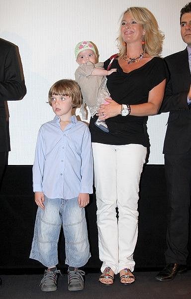 Lucie s maličkou Larou a šestiletým Štěpánem.