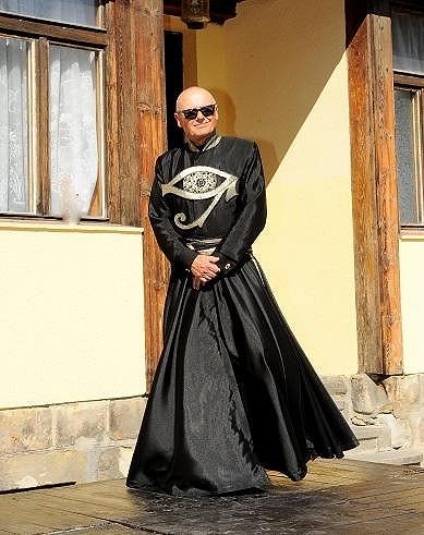 Jiří Korn v kostýmu z muzikálu Aida.