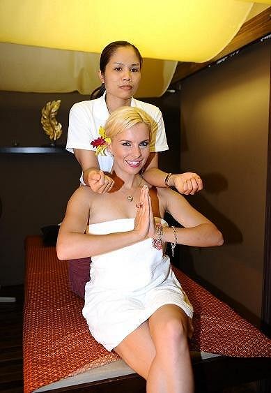 Den v Erpetu zakončili thajskou masáží.