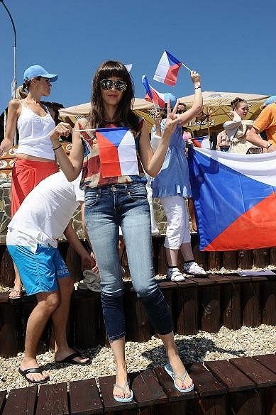 Iva Kubelková se radovala z českého vítězství na hrách třech států.