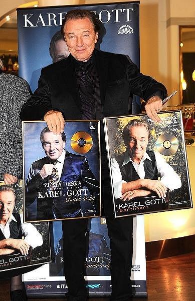 Za nové CD Dotek lásky už dostal Karel Gott zlatou desku, za minulou má dokonce platinovou.