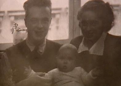 Naďa Konvalinková s rodiči.