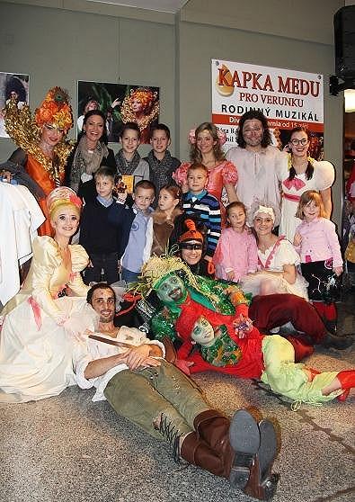 Muzikálová partička Kapky medu pro Verunku s Kristianem a jeho malými kamarády.
