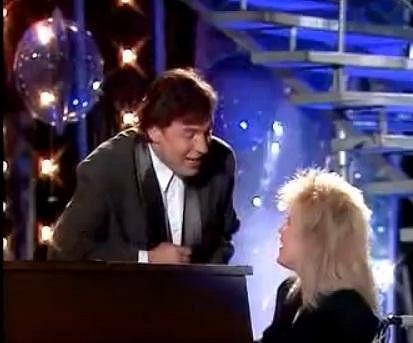 Karel Gott a Marika Gombitová zpívají duet Neznámý pár.