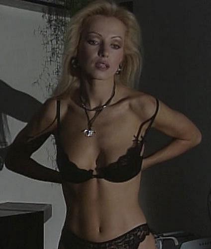 Kateřina Brožová odhalila své vnady v seriálu Detektiv Martin Tomsa.