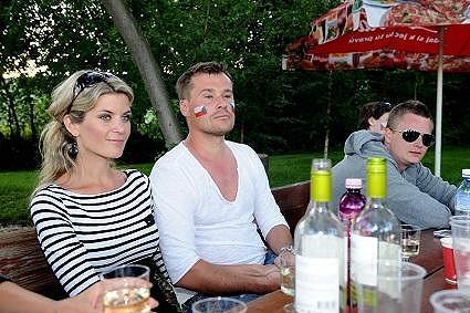 Ivetin manžel si nechal na zápas Česko - Polsko namalovat tváře české vlajky.
