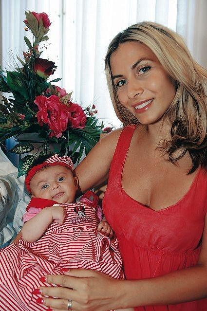Eva s dcerou na vítání občánků.