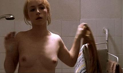 Ani Tatiana Vilhelmová nezůstala pozadu: Nahoře bez se ukázala ve filmu Opravdová láska...