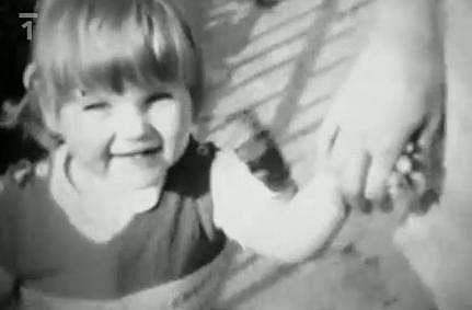 Pavlína Němcová v dobách bezstarostného dětství.