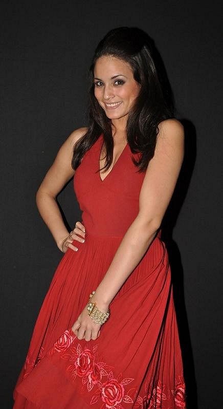 Americká herečka Caterina Lopez na Lakme Fashion Week v Mumbaii.