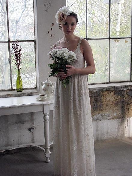 Kamila si vyzkoušela svatební šaty.